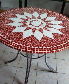 Tampo de mesa Mandala Feito artesanalmente acabamento a mão por mosaico, produto de qualidade. Feito sob medida e personalizado por cores e desenhos de acordo com sua decoração e seu gosto! Entregamos para todo Brasil! Consulte já seu orçamento. Se você procura qualidade venha conhecer Myo A...