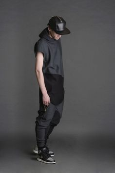 Oliver New York 2014 Capsule Collection: Oliver New York presents a small capsule collection for Spring/Summer re-interpreting street Young Fashion, Boy Fashion, Mens Fashion, Style Fashion, Street Outfit, Street Wear, Street Clothes, Caviar, Urban Fashion Photography