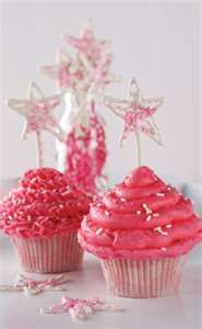 Love pink cupcakes! Anneliese's birthday is next!