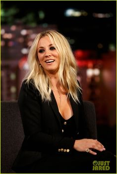 How Kaley Cuoco Bypassed the Awkward Stages in Growing Out Her Hair – Celebrities Female Blonde Pony, Blonde Bangs, Blonde Hair, Melissa Rauch, Kaley Cuoco Gif, Kaley Cuocco, Kayley Melissa, Divas, Big Bang Theory
