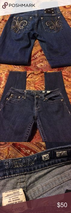 Miss Me skinny Jeans (30) Good condition. Looks better in person then what camera took. Inseam 32 Miss Me Jeans Skinny