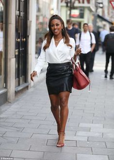 Alexandra Burke puts on a leggy display in skimpy leather mini skirt - Informativo Digital Alexandra Burke, Black Leather Skirts, Fashion 2020, Put On, Street Styles, Thighs, Display, Female, Digital