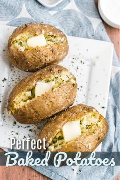 The Perfect Baked Potato is just a few simple steps away. Follow this easy method for fluffy, flavorful baked potatoes every time!. #bakedpotato #potatorecipe #potato #perfectbakedpotato #sidedish #potatosidedish #FavoriteFamilyRecipes #favfamilyrecipes #FavoriteRecipes #FamilyRecipes #recipes #recipe #food #cooking #HomeMade #RecipeIdeas Potato Recipes, Vegetable Recipes, Chicken Recipes, Favorite Recipes, New Recipes, Family Recipes, Easy Dinner Recipes, Easy Desserts, Perfect Baked Potato