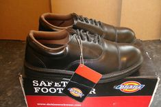 The ever popular Dickies Oxford Safety Shoe was modernised for this generation with our updated & improved SRA rated sole unit. Size UK 7 / EUR Breathable textile lining. Ankle Shoes, Shoe Boots, Safety Work Boots, Waterproof Shoes, Ebay Auction, Steel Toe, Black Boots, Black And Brown, Oxford
