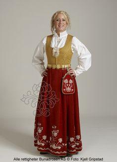 Follobunad til dame - BunadRosen AS Folk Costume, Costumes, Norwegian Clothing, Ethnic Fashion, Traditional Outfits, Norway, Amazing People, Clothes, Folklore