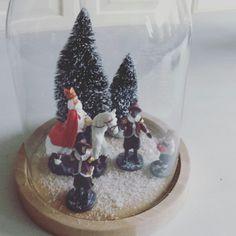Sinterklaas Stolp Saints For Kids, St Nicholas Day, Love Holidays, Christmas Decorations, Holiday Decor, Family Holiday, Favorite Holiday, Glass Jars, Winter Wonderland