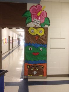 Totem pole #2 at our hallway entrance for our luau.
