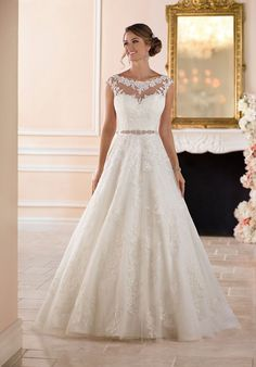 Tendance Robe du mariage 2017/2018  Traditional Ball Gown Wedding Dress | Stella York 6303 | trib.al/qcKgsg0