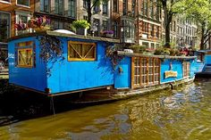 Much to your surprise, what you may have heard is real! Here are some realities about the Amsterdam Red-Light District, a place unlike any location else. Houseboat Amsterdam, Amsterdam Canals, Amsterdam City, Amsterdam Travel, Amsterdam Guide, Amsterdam With Kids, Visit Amsterdam, Amsterdam Red Light District, Houseboat Living