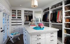 21 Elegant And Gorgeous Walk-In Closet Designs - Top Inspirations