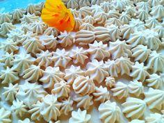 Un postre diferente: bizcocho con crema de dulce de leche. Homemade Desserts, Dulce De Leche, Sweets, Crack Cake, Cream
