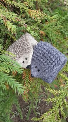 Knitted mittens animal for Christmas gift 35$ #knitted #mittens #animal #hedgehogs