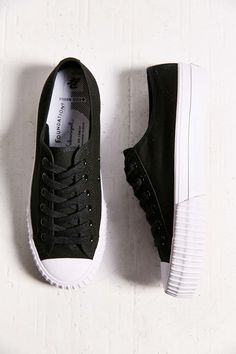 0c10dd09166c01 PF Flyers Center Low-Top Womens Sneaker Womens Fashion Sneakers