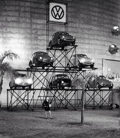 Bildergebnis für vw vintage motor show Van Vw, T6 California, Kdf Wagen, Volkswagen New Beetle, Volkswagen Golf, Vw Vintage, Vw Cars, Vw Camper, Vw Beetles