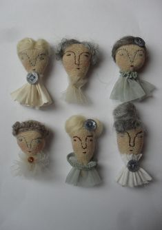 Embroidery Inspiration – Doll Heads Embroidery Inspiration – Doll Heads,Handarbeit / III Embroidery Inspiration – Doll Heads Related posts:Welcome - Fall decor ideasSpring Rolls: Goodbye Winter, Hello Healthy Eating - Healthy Lip Balms. Textile Jewelry, Fabric Jewelry, Textile Art, Zipper Jewelry, Jewellery, Fabric Dolls, Fabric Art, Fabric Crafts, Fabric Brooch