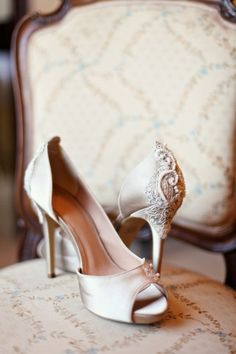 Ana Rosa - lovely wedding shoes for your big day. What great wedding style.