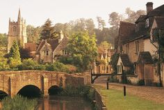Castle Combe, the Cotswolds, England. A coffee stop on a bike ride from The Bike Shed, Tetbury.  MAKETRAX.net - Bicycle in THE COTSWOLDS