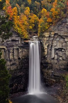Taughannock Falls, New York - TOP 10 USA Waterfalls