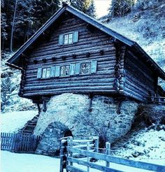 Iconosquare Cabin, House Styles, Winter, Instagram, Vacation, Winter Time, Cabins, Cottage, Winter Fashion