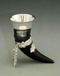 Drinking Horn with Oak Leaf Stand