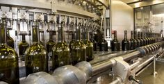 How Much Oxygen Should a Wine Get, From Crush to Bottling? #wine #wineeducation