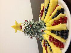 Christmas Food Treats, Fruit Dishes, Pineapple, Kitchens, Pine Apple, Fruit Platters