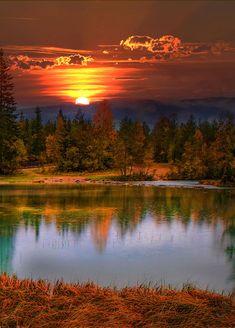 Beautiful sunset landscape more at @ Landscape Photography, Nature Photography, Photography Tips, Beautiful Places, Beautiful Pictures, Autumn Scenes, Beautiful Sunrise, Beautiful Morning, Nature Scenes