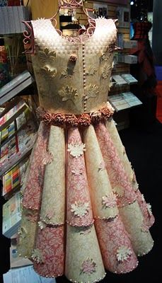 ℘ Paper Dress Prettiness ℘ art dress made of paper Paper Dolls Clothing, Paper Clothes, Paper Dresses, Intelligent Design, High School Fashion, Dress Form Mannequin, Paper Fashion, Fair Trade Fashion, Funny Fashion
