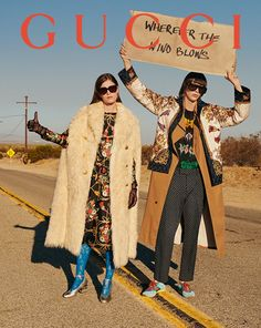 Gucci Square-frame acetate sunglasses 2019 Light tortoiseshell acetate frame with light gold metal temples and a green lens. < The post Gucci Square-frame acetate sunglasses 2019 appeared first on Metal Diy. Gucci Fashion, 70s Fashion, Fashion Week, Vintage Fashion, Fashion Today, Gucci Campaign, Campaign Fashion, Vintage Mode, Vintage Gucci