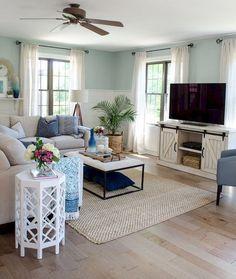 Adorable 60 Cool Modern Farmhouse Living Room Decor Ideas https://roomadness.com/2017/12/15/60-cool-modern-farmhouse-living-room-decor-ideas/