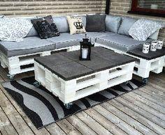 salon de jardin et table basse en palette plateau carrelage