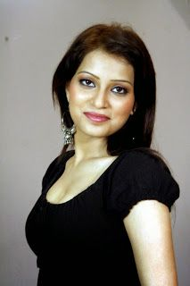 South Indian , Bollywood Actress and Models: Radhika Rai enjoyed by actor in movie Maarmam