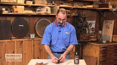 repair wood Master woodworker George Vondriska teaches you a quick tip to repair wood cracks that you find in your woodworking projects. Woodworking Finishes, Easy Woodworking Ideas, Learn Woodworking, Custom Woodworking, Sanding Wood, Wood Repair, Furniture Repair, Wood Furniture, Furniture Design