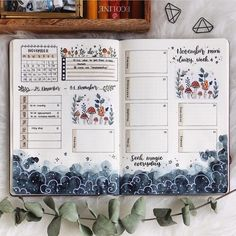 11 Amazing Bullet Journal Ideas That Cultivate Self-care - dreamrooms Bullet Journal Weekly Spread, January Bullet Journal, Bullet Journal Notes, Bullet Journal Tracker, Bullet Journal Themes, Bullet Journal Layout, Art Journal Pages, Art Journal Challenge, Art Journal Prompts