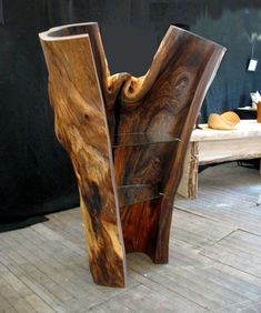 The Key to Succeeding in Woodworking Projects Log Projects, Driftwood Projects, Rustic Log Furniture, Wood Furniture, Western Furniture, Furniture Design, Chest Furniture, Diy Holz, Wood Shelves