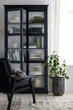 Ellos Home Skap Victoria, 4 Home Living Room, Living Room Decor, Living Spaces, Home Interior, Interior Decorating, Interior Design, Design Salon, Interior Inspiration, Home Furniture