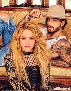Shakira & Maluma are the stars of Billboard Latina - 📷 Magazine Cover: & are the stars of the new issue of the magazine. Shakira Y Maluma, Shakira Y Pique, Latina Magazine, Latin Music, Spanish Music, Papi, Britney Spears, Hollywood Actresses, Billboard