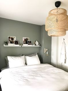 35 Amazingly Pretty Shabby Chic Bedroom Design and Decor Ideas - The Trending House Bedroom Green, Home Bedroom, Modern Bedroom, Bedroom Decor, Master Bedroom, Bedroom Ideas, Contemporary Bedroom, Bedroom Rustic, Bedroom Simple