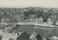 Rogaland fylke Stavanger havnen med båter og busser 1950-tallet Utg Normann