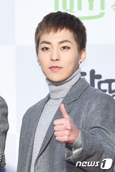 25th High1 Seoul Music Awards 160114 : Red Carpet - Xiumin