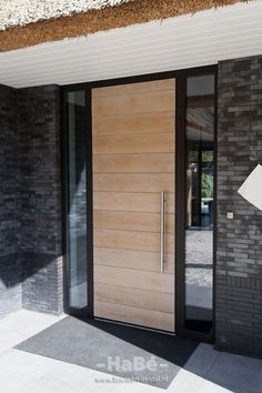 Front And Entry Doors For Your House – The Homeward View Modern Entrance Door, Main Entrance Door Design, Modern Exterior Doors, Garage Door Design, Modern Front Door, Exterior Front Doors, Front Door Design, House Entrance, Garage Doors