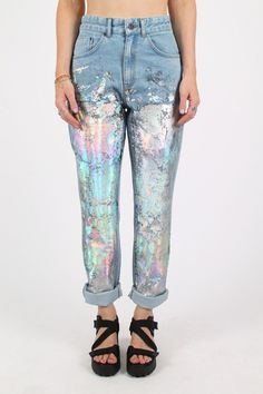 New Ideas Diy Clothes Grunge Pants Holographic Fashion, Holographic Paint, Iridescent Fashion, Metallic Fashion, Pastel Fashion, Denim Fashion, Womens Fashion, Fashion Trends, Zapatos