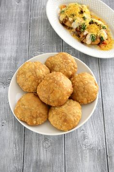 Want to know about indian food styling? Read on Veg Recipes, Indian Food Recipes, Vegetarian Recipes, Snack Recipes, Cooking Recipes, Curry Recipes, Chaat Recipe, Recipe Of Kachori, Gujarati Recipes