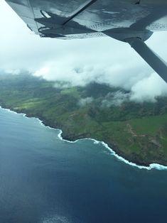 Wir flogen an der Küste von Molokai entlang und weiter Richtung Maui.