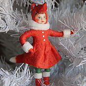 Купить или заказать Ёлочная игрушка из ваты 'Рождественский ангел' в интернет-магазине на Ярмарке Мастеров. Ёлочная игрушка из ваты сделана по старинной технологии. Игрушка лёгкая, с петелькой для подвешивания на ёлку. На рождественскую ель по старинной традиции обязательно помещали фигурки ангелов, считая, что они принесут удачу и благополучие в дом. И вы можете поселить ангела на своей праздничной ёлочке. Такая игрушка - хороший новогодний и рождественский подарок. Цена указана за о...