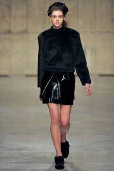Simone Rocha - www.vogue.co.uk/fashion/autumn-winter-2013/ready-to-wear/simone-rocha/full-length-photos/gallery/934635