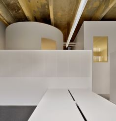 Contrast of new offices and existing industrial architecture - Sempla Offices, DAP Studio
