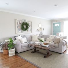 family-room-neutral-christmas