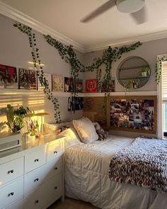 Room Design Bedroom, Room Ideas Bedroom, Bedroom Decor, Bedroom Inspo, Indie Room Decor, Cute Room Decor, Indie Bedroom, Indie Dorm Room, Grunge Bedroom