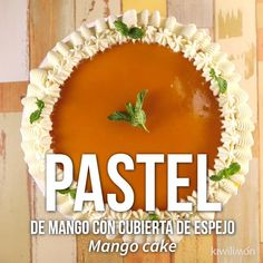 Vieo de Pastel de Mango con Cubierta de Espejo Prepare this delicious and unique mango cake with mirror cover. It is a delicious dessert and it looks amazing on the table. Do not wait any longer and prepare it. Chocolate Italian Cream Cake Recipe, Italian Cream Cakes, Delicious Chocolate, Mexican Food Recipes, Sweet Recipes, Cake Recipes, Dessert Recipes, Food Cakes, Cupcake Cakes